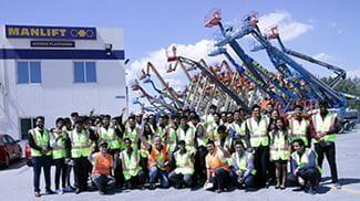 Students field visit at Manlift Dubai Depot